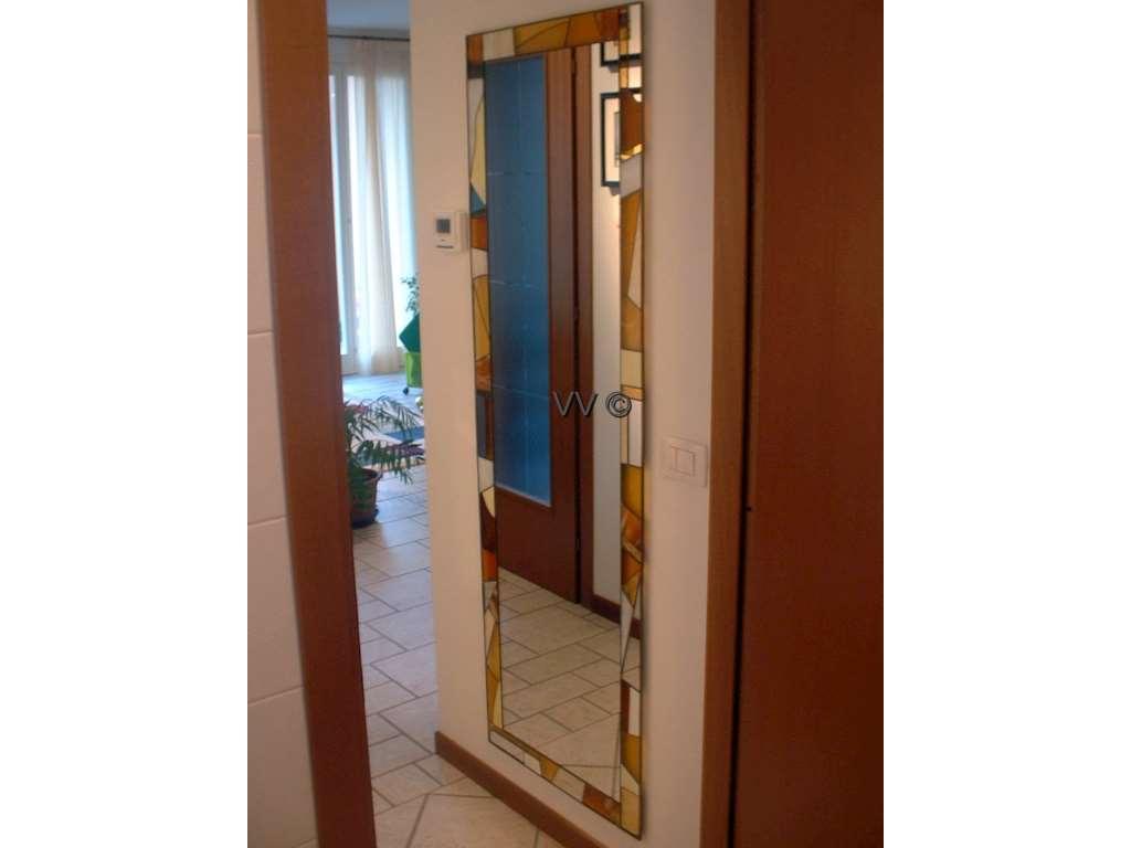 Specchi vetri d 39 arredo vetreria valsecchi mario - Specchi riflessi testo ...